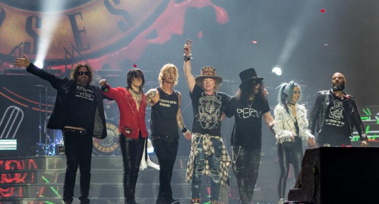 Guns N' Roses Avrupa Turnesini Askıya Aldı